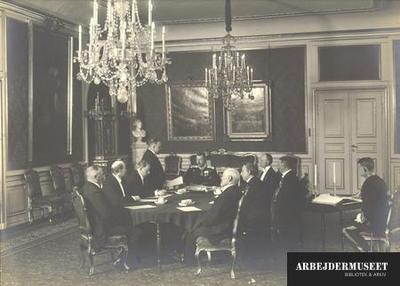 Statsrådet den 5. juni 1915