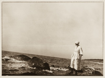 Image from object titled Young woman on the beach | Giovane donna sulla spiaggia