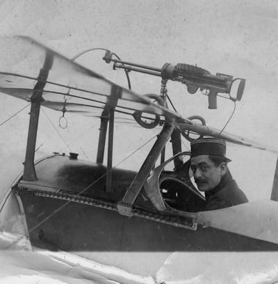 Image from object titled Charles DUMAS dans son avion 1915-1916