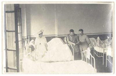 Image from object titled FRBNBU-064 Cécile Conil une infirmière dans la guerre et le début d'un grand amour