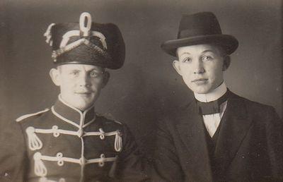Image from object titled Foto von Friedrich und Carl Reinboth (1914)