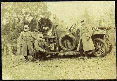 Image from object titled FRAD077-040, Noël Eugène Baffert, conducteur d'auto-projecteur de signalisation.
