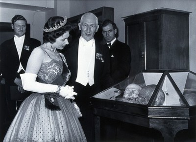 Image from object titled HM Queen Elizabeth II with E.A. Underwood. Photograph by the Associated Press Ltd., 1962.