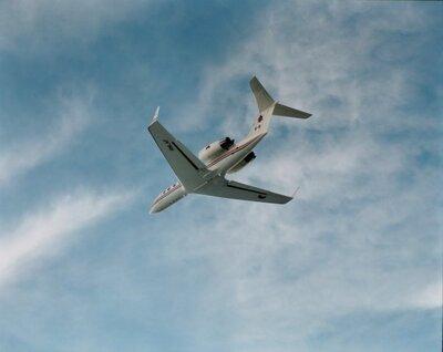 Een Gulfstream in de vlucht.