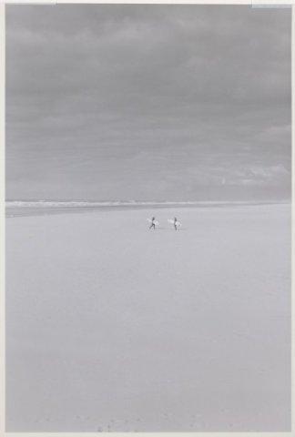 Noordelijk vanaf de Noorderpier, zuidelijk vanuit Wijk aan Zee.; NL-HlmNHA_559_041977_021; Provinciale Atlas - Foto's NL-HlmNHA_559_041977_021