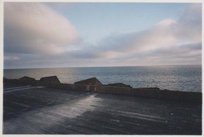 Noordelijk vanaf de Noorderpier, zuidelijk vanuit Wijk aan Zee. <br> Maar de horizon wil men een vliegveld bouwen.; NL-HlmNHA_559_041977_018; Provinciale Atlas - Foto's NL-HlmNHA_559_041977_018