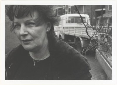 9 fotoportretten van vrouwen in arbeidssituaties Vrouwenwerk. Fotoportretten. <br> Tentoonstelling in De Vest in Alkmaar van 19 november tot en met 19 december 1999.           <br> Ulay; NL-HlmNHA_559_004013_M; Provinciale...