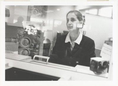 9 fotoportretten van vrouwen in arbeidssituaties Vrouwenwerk. Fotoportretten. <br> Tentoonstelling in De Vest in Alkmaar van 19 november tot en met 19 december 1999.           <br> Ulay; NL-HlmNHA_559_004008_M; Provinciale...