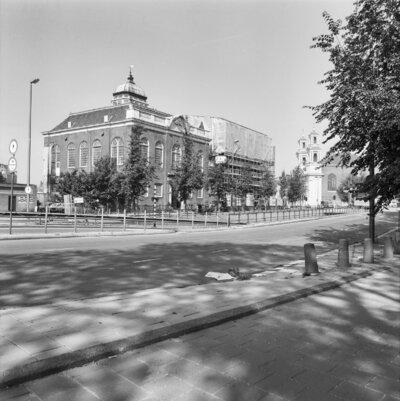 Image from object titled De Neie Sjoel te Amsterdam, overzicht