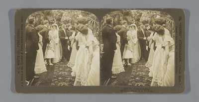 Bruidspaar wordt gefeliciteerd; Congratulations