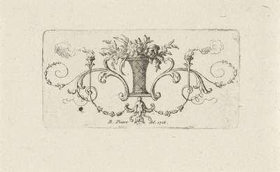 Ornament met bloemenvaas en fakkels