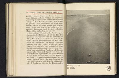 Fotoreproductie van een foto door Rudolf Eickemeyer Jr., voorstellend een strand; Der strand