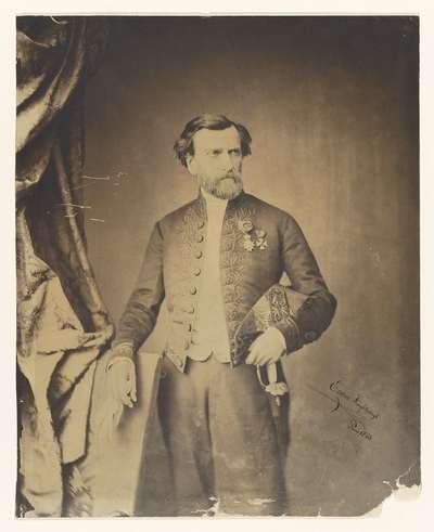 Portret van een man in uniform