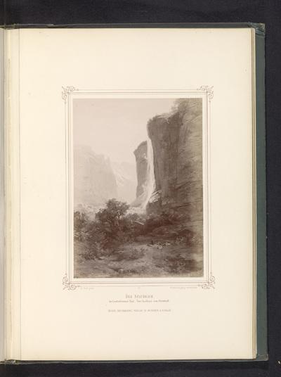 Fotoreproductie van een schilderij van de Staubbachwaterval; Der Staubbach im Lauterbrunnen Thal. Vom Gasthaus zum Steinbock