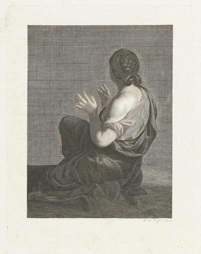 Zittende vrouw op haar rug gezien