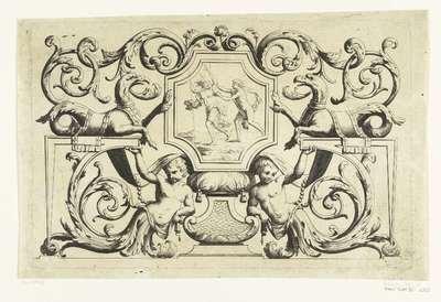 Achthoekig paneel met sfinx aan weerskanten; Nouueaux desseins d'Ornemens pour lembellissment des carosses, Paneaux, Lambris &c.