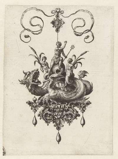 Hanger met zeedraak, op zijn rug Neptunus; Bullarum inaurium (...)