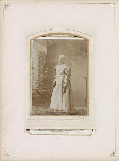 Wilhelmina in friese klederdracht