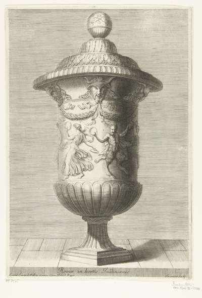 Langwerpige vaas met deksel bekroond met bol; Romae in hortis Justinianis; Recueil de divers vases antiques
