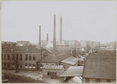 Image from object titled Exterieur van fabrieksgebouwen met schoorstenen