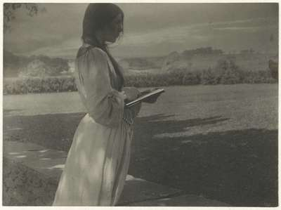 The sketch (Beatrice Baxter Ruyl)