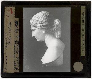 """Hoofd van Aphrodite naar Praxiteles' Aphrodite """"De Venus van Arles""""; Profiel"""
