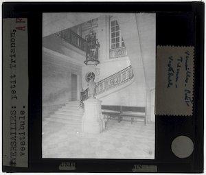 Versailles. Petit Trianon; Interieur: Vestibule