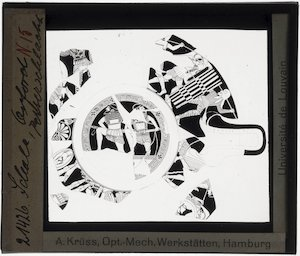 Oud-Grieks aardewerk. Brygos painter. Schaal; Fragmenten: Strijd tussen Perzen en Grieken. Odysseus en Diomedes (?)