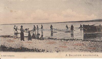 A Balaton halászata. A háló behúzása.