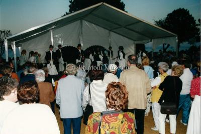 Folklór műsor. Szeptemberi ünnepségek 2000, Évadzáró
