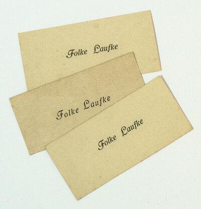 Tre visitkort som tillhört frisören Folke Laufke (1895-1982)