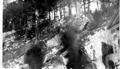 Image from object titled Požig bencina v Postojnski jami
