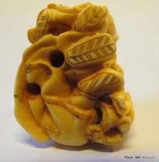 Netsuke, japansk figur af elfenben