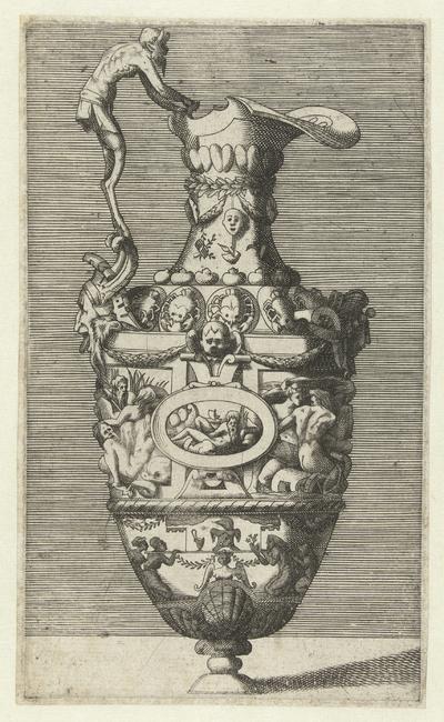 Kan met een oor gevormd door een sater; Vazen en kannen, gedecoreerd met figuratieve voorstellingen, grotesken, mascarons en guirlandes