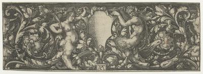 Ornament met vrouwelijke en mannelijke sater