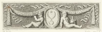 Fries met medaillon tussen twee zittende putti; Vignetten