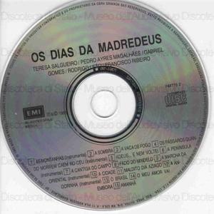 Os dias da Madredeus / Teresa Salgueiro, Pedro Ayres Magalhaes, Gabriel Gomes, Rodrigo Leao, Francisco Ribeiro