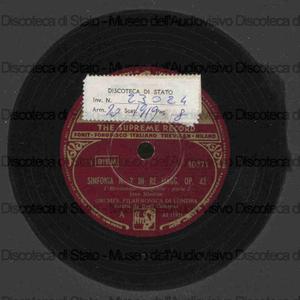 Sinfonia n. 2 in re magg. op. 43 / Jean Sibelius ; Orchestra Filarmonica di Londra ; Basil Cameron, direttore