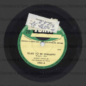 Glad to be unhappy ; The red grapes / S. Davis Jr. e orch. ; Sy Oliver, direttore