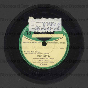 Old Betsy ; The ballad of Davy Crockett / Burl Ives con coro