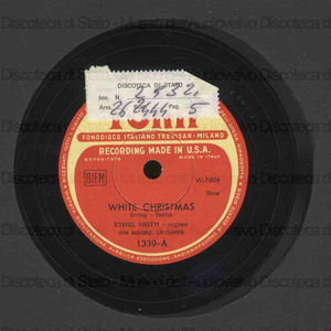White Christmas ; A pretty girl is like a melody / organo: Ethel Smith con accompagnamento d'orchestra