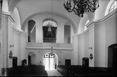 Crkva Svetog Ivana Nepomuka Glina Unutrasnjost S Orguljama