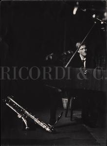 Gerry Mulligan al pianoforte. Ritratto maschile