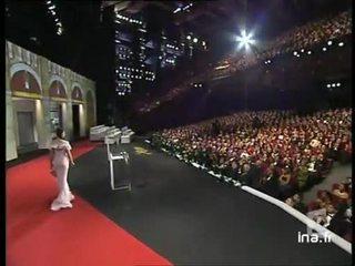"""Palmarès du festival de Cannes dont la palme d'or à Gus Van Sant pour """" Eléphant """" ."""