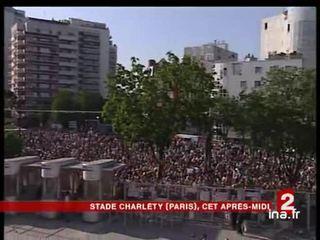 [Ségolène Royal soutenue par des artistes au Stade Charlety]