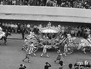 Le couronnement d'Elizabeth II: La cérémonie à Westminster