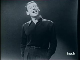 """Yves MONTAND """"Le carosse"""""""
