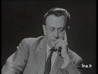 """Raymond Queneau à propos de son livre """"Les fleurs bleues"""""""