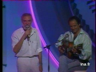 """MOUSTAKI chante """"Cousine"""" avec Maxime Le Forestier"""