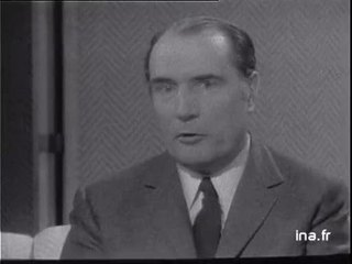 François Mitterrand critique Robert Aron